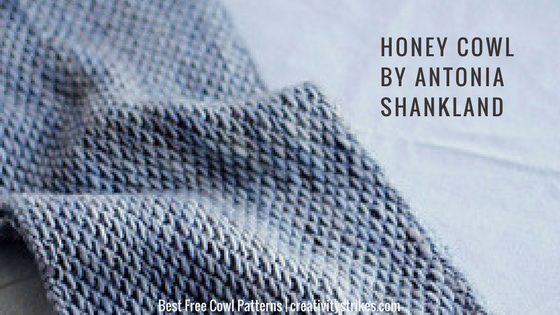 Honey Cowl by Antonia Shankland is one of my favourite free cowl patterns on Ravelry. Not only is it an interesting pattern but it's a quick knit. Win win!